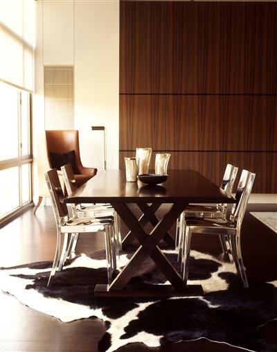 emeco-aluminum-chairs-phillipe-starck-cohide-rug